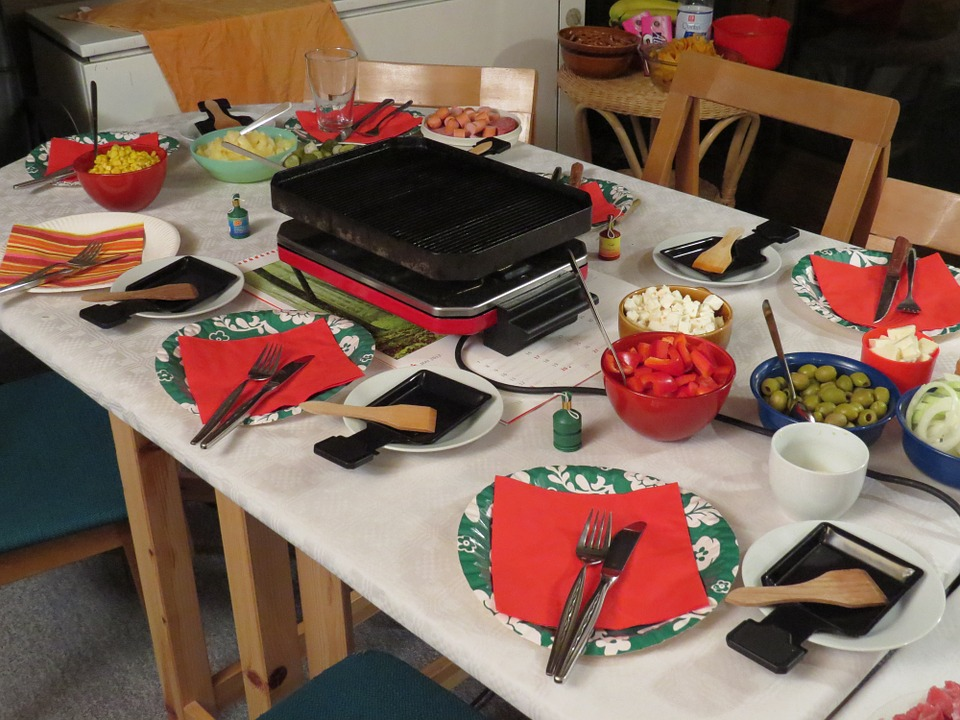 service à raclette, patrimoine gastronomique, recette de raclette